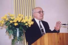 2000-Misto_na_kterem_stojis-03